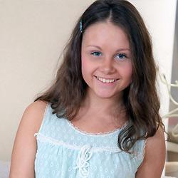Seventeen Model Liza B