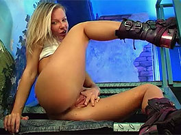 Cindy does a striptease in the studio