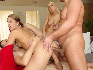 2 slutty girls double penetrated