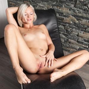 Sexy glam girl Zazie