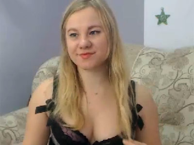 Holliene Webcam