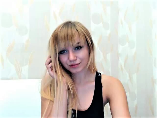 EllaNicole Webcam